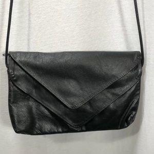 4/$35 Ohh Ashley Vintage USA fold over leather